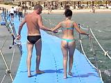 Mom with hot ass in bikini