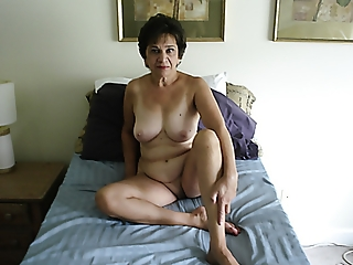 MY 36 C TITS & SHAVED LOVE HOLE