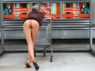 Hot sexy shoppers