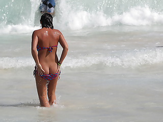 Accidental exposed butt cracks