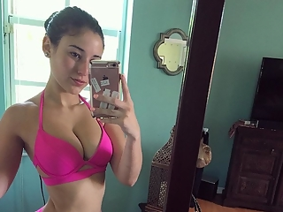 Fit babes selfies