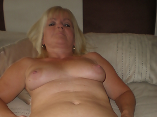 Housewife big pussy lips