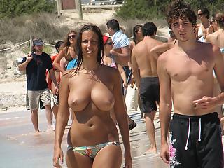 Big natural tits topless girl