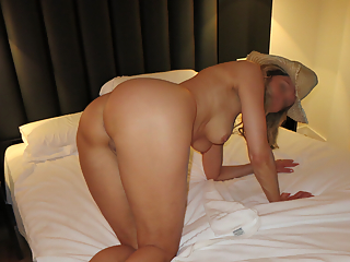 Mature housewife naked pictures