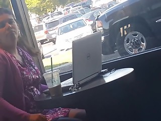 Dude flashes dick in starbucks