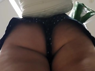 Chick nice butt cheeks upshort