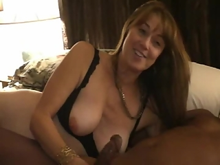 Mature woman interracial threesome and creampie