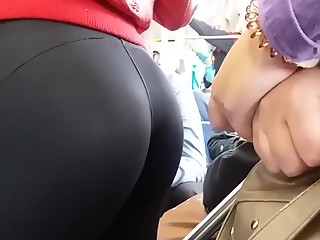 Sexy ass black leggings in train