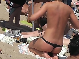 Topless girl perfect ass