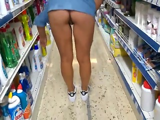 Ass flashing in the supermarket