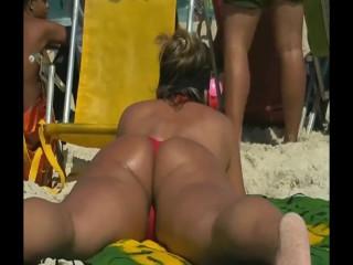 Big ass milf in beach
