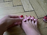 Painting my toenails!